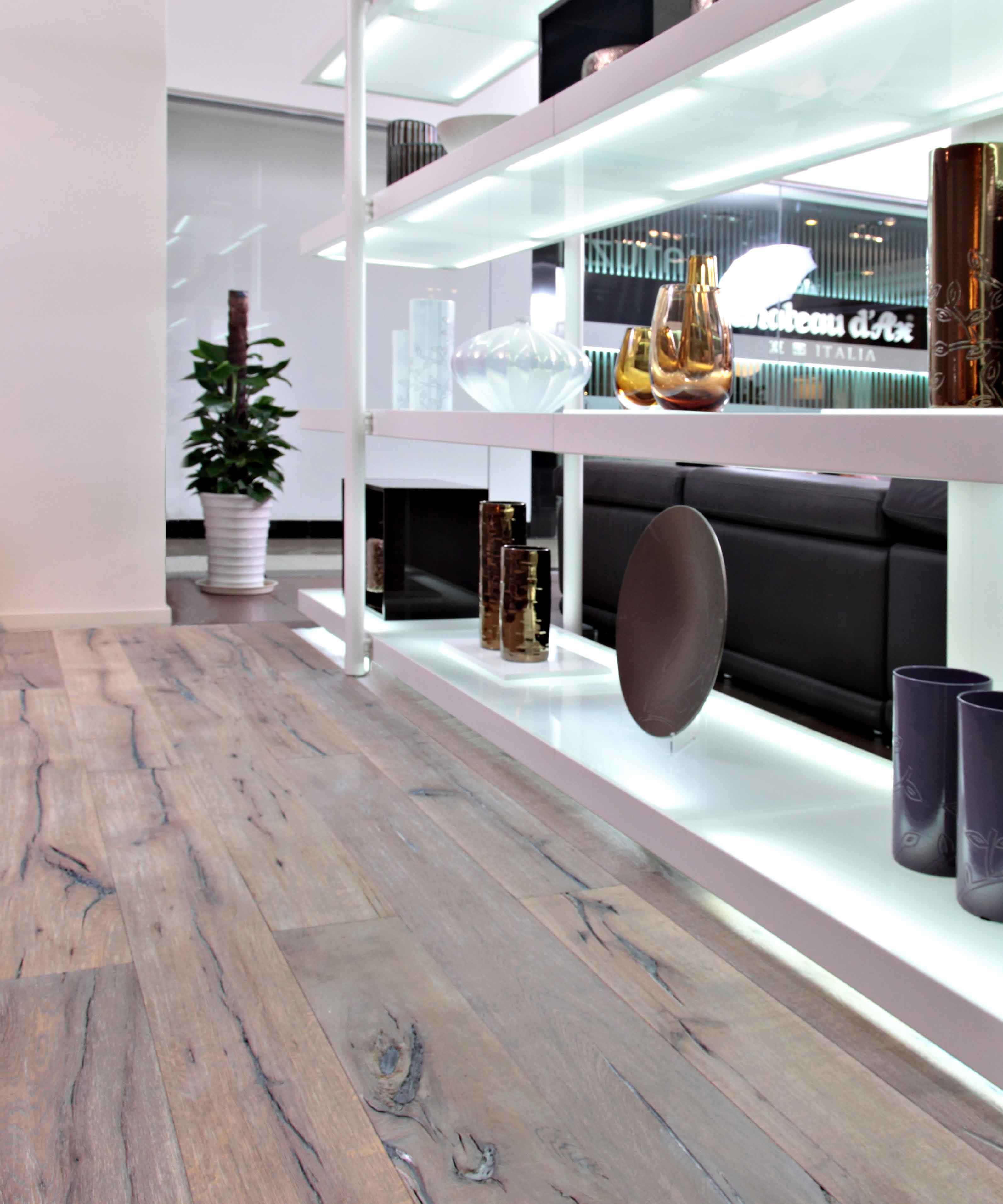 New PDC Showroom: PERFEC Floors/BEKING Furniture